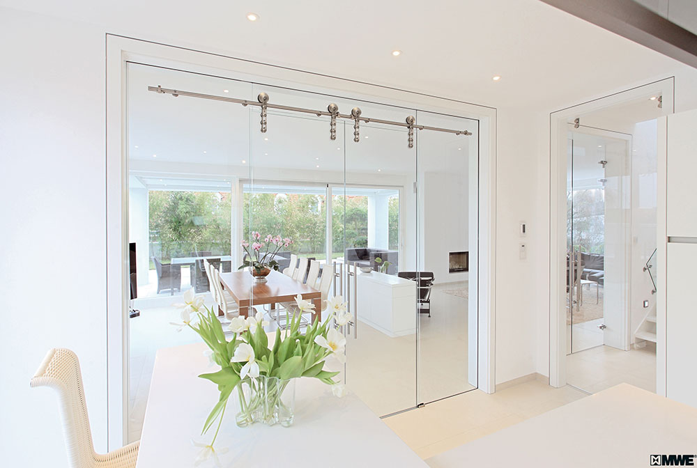 A glass sliding door in your home? Everything custom made!